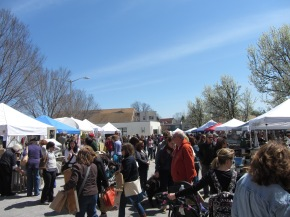 Hooray – It's Outdoor Market Season!